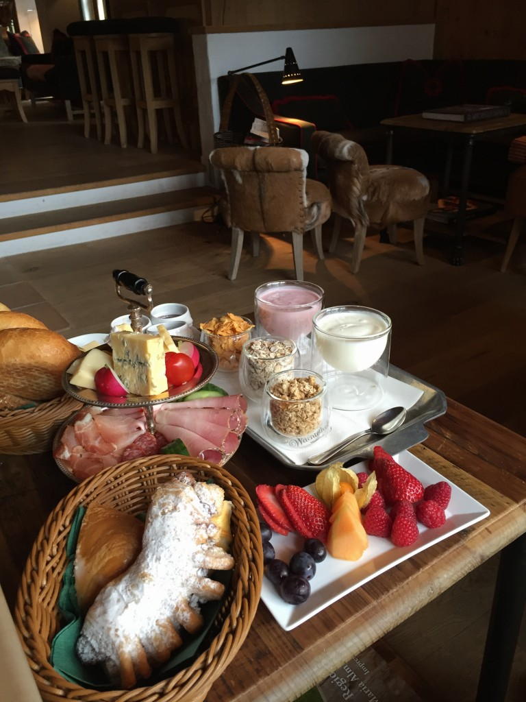 Casual breakfast at Hotel Jagdgut Wachtelhof