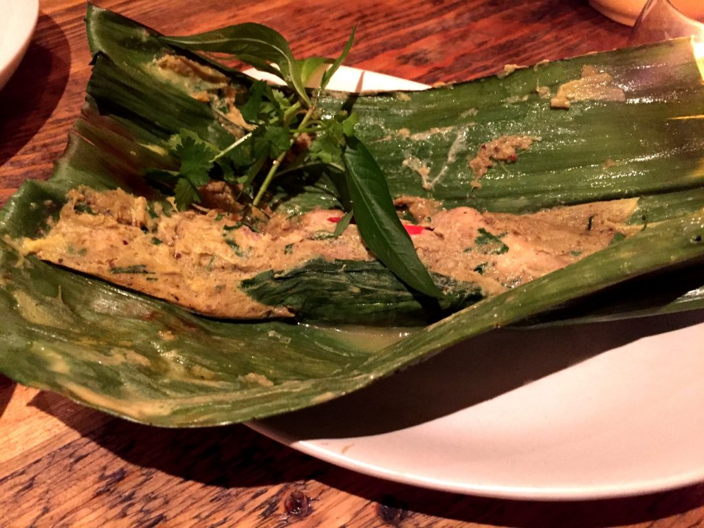 Grilled banana leaf parcel at Som Saa