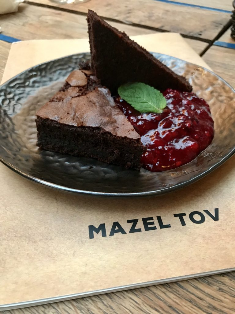 Chocolate Brownie at maze Tov Budapest